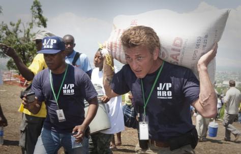 Image: Sean Penn in Haiti
