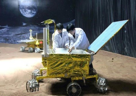 Image: Chinese space engineers working on lunar rover