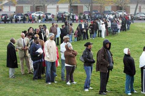 Image: Voters line up in Detroit