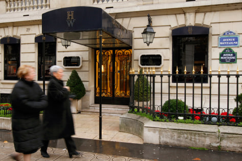 Image: Harry Winston store in Paris that was robbed