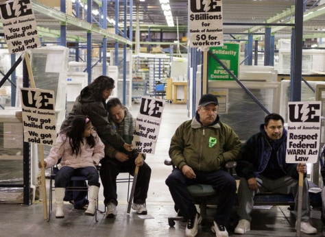Image: Workers stage a sit-in at the Republic Windows and Doors factory in Chicago