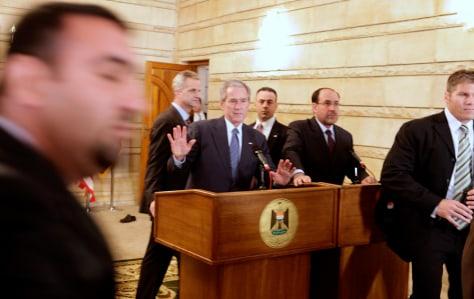 Image: George W. Bush, Nouri al-Maliki