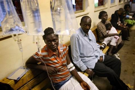 Image: Zimbabweans suffering from cholera