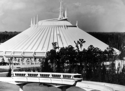 Image: Space Mountain