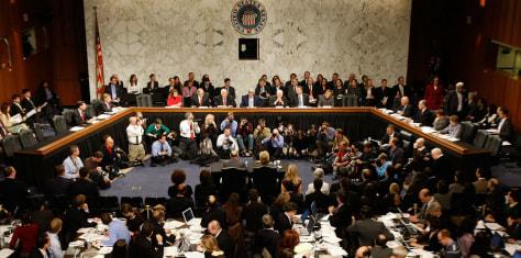 Image: Hillary Clinton Testifies