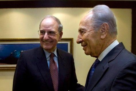 Image: George Mitchell, Shimon Peres