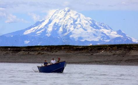 Image: Mount Redoubt volcano