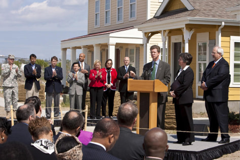 Image: Officials talk about Katrina recovery