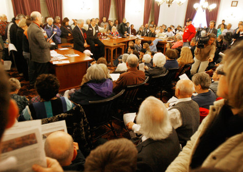 Image: Gay marriage opponents at Vermont's statehouse.