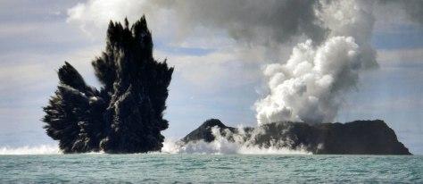 Image: Underwater volcano inTonga