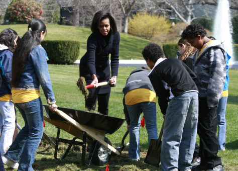 Image: U.S. first lady Michelle Obama breaks ground for White House Kitchen Garden