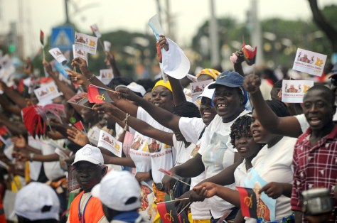 Image: Angolans welcome the pope