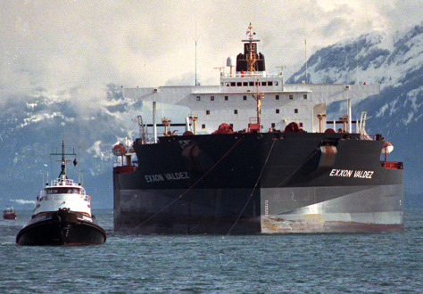 Image: Tugboats pull the crippled tanker Exxon Valdez