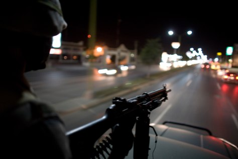 Image: Soldiers patrol the streets of Reynosa