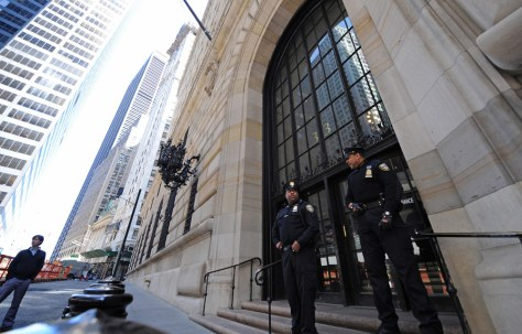Image: Guards at Federal Reserve Bank of New York