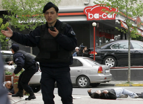 Image: Turkish police battle with leftist militant in Istanbul