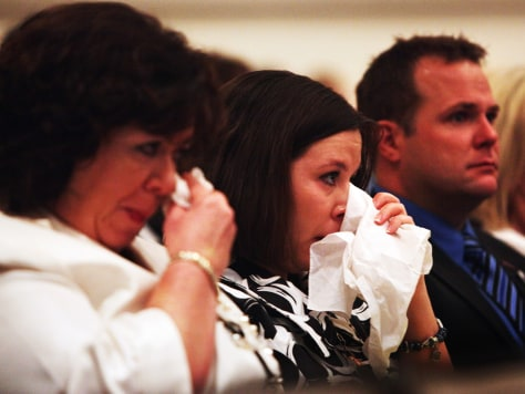 Image: Relatives of crash victims at hearing