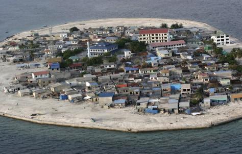 Image: Kandolhudhoo island in Maldives