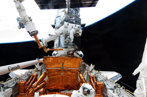 Image: Space Shuttle Atlantis To Repair Hubble Space Telescope