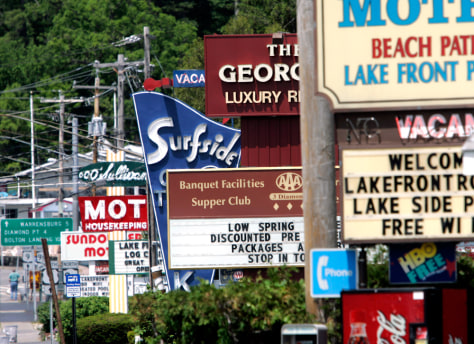 Image: Motel signs