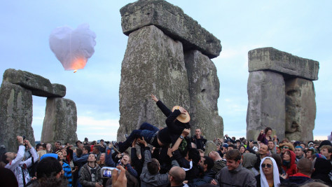 Image: Revelers celebrate summer solstice at Stonehenge