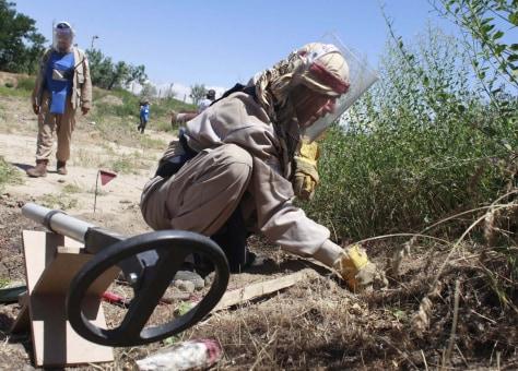 Image: Afghan de-miner