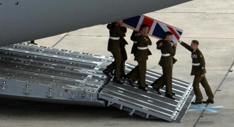 Image:Coffin bearing British soldier