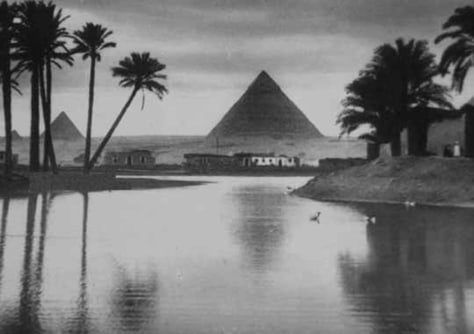 Image: Egyptian pyramid from the photo collection of Lord Carnarvon.