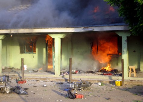 Image: Burning building in Maiduguri, Nigeria