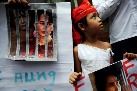 Image: Protest in favor of Myanmar's Aung San Suu Kyi in Thailand