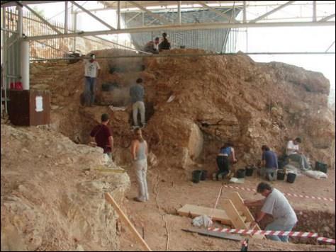 Image: Qesem Cave Project
