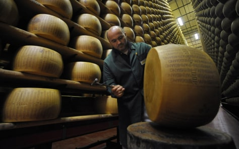 Parmesan producers bank on cheese business consumer for Cuisine 7000 euros