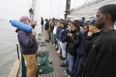 Nyc School Makes Harbor Its Classroom Us News Education Nbc News