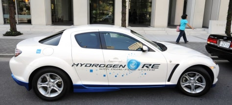 Image: Mazda Motor Corporation Premacy Hydrogen RE Hybrid car