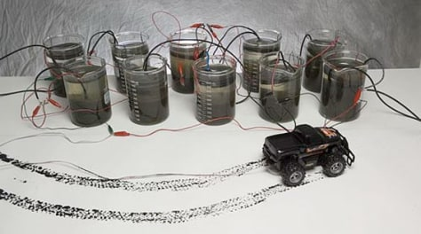 Image: Microbe-powered toy truck