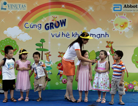 Image: children at Kim Lien kindergarten