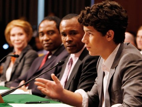 Image: Singer Nick Jonas testifies about diabetes at Senate hearing in Washington