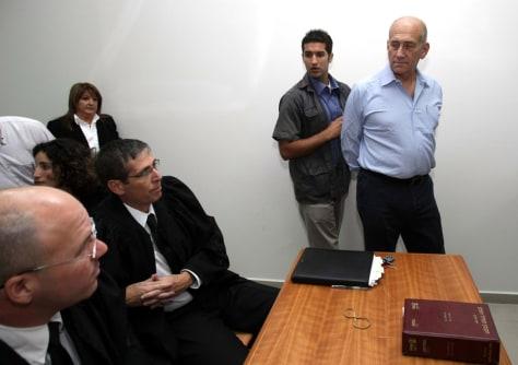 Image: Ehud Olmert arrives in court