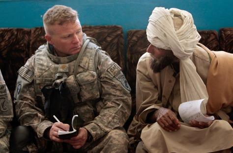 Image: Major Christian Jenni meets with Afghan man