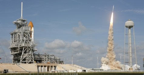 Image: Shuttle and Ares rocket