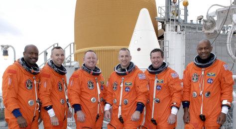 Image: Atlantis crew
