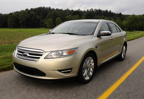 Image: 2010 Ford Taurus