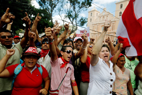 Image: Supporters of Ousted Honduras President Manuel Zelaya