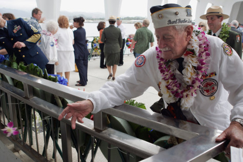 Image: Pearl Harbor survivor Delton Walling