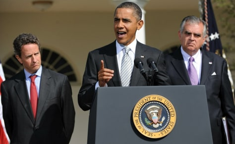 Image: US President Barack Obama (C) with Treas