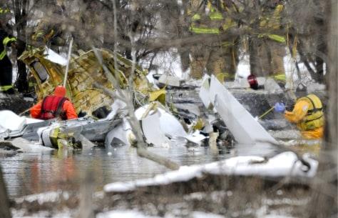 Image: Learjet crashes near Wheeling, Illinois, USA killing two people.