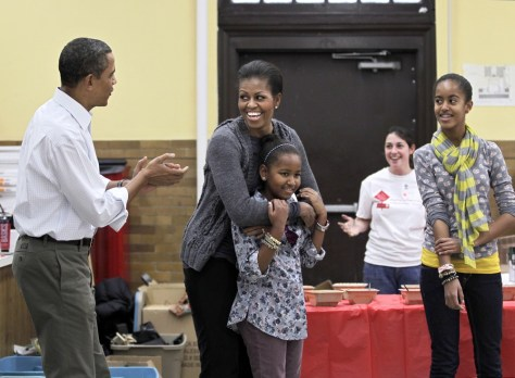 Image: Barack Obama, Michelle Obama, Sasha Obama, Malia Obama