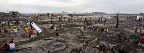 Image: Slum area razed in a fire in Manila