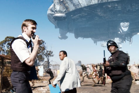 "Image: Scene from ""District 9"""