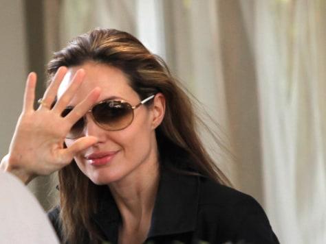 Image: Angelina Jolie in Haiti